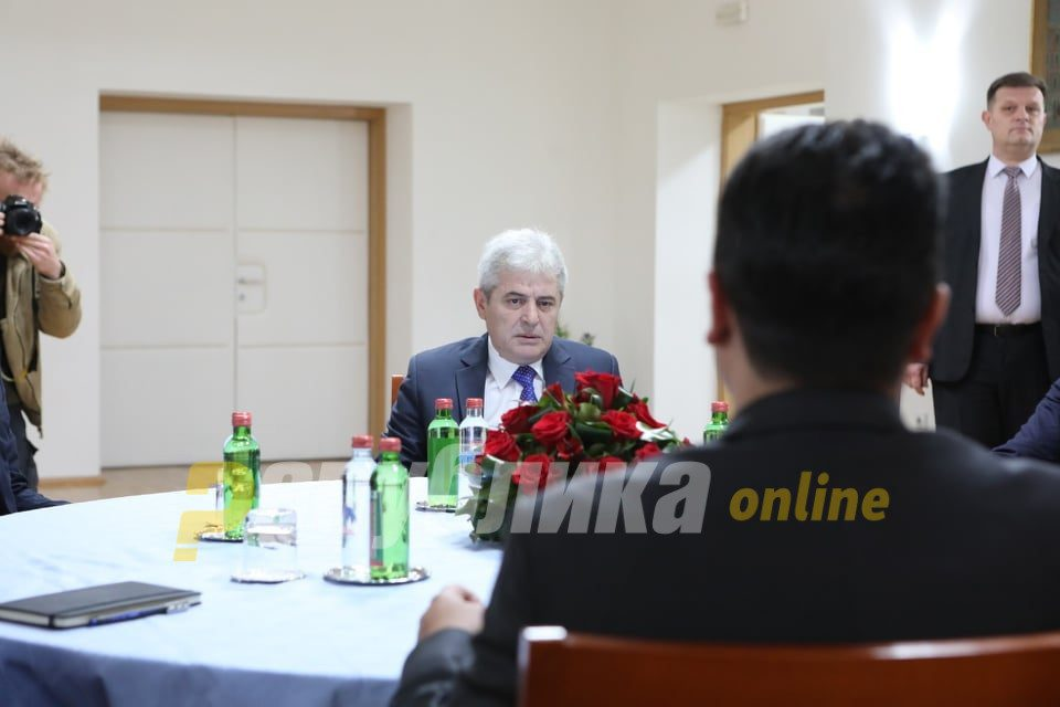 "Zaev and Ahmeti fail to agree over a ""consensual"" presidential candidate, give themselves another week"
