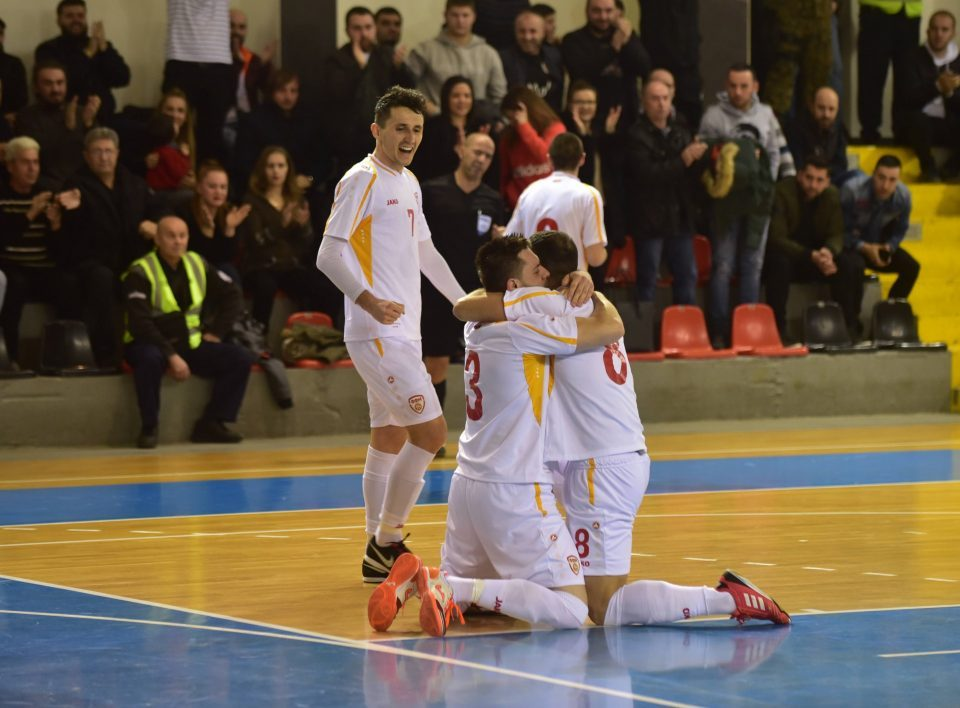 Macedonian futsal team beats Albania, advances to next stage as top of the group