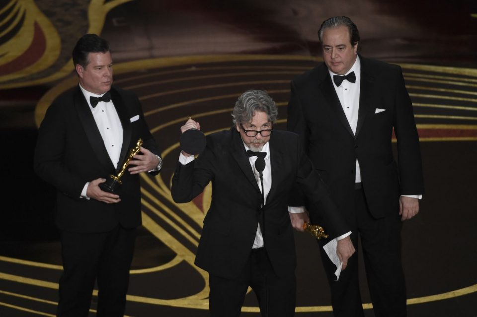 'Green Book' puts controversy behind it to score a surprise best picture win