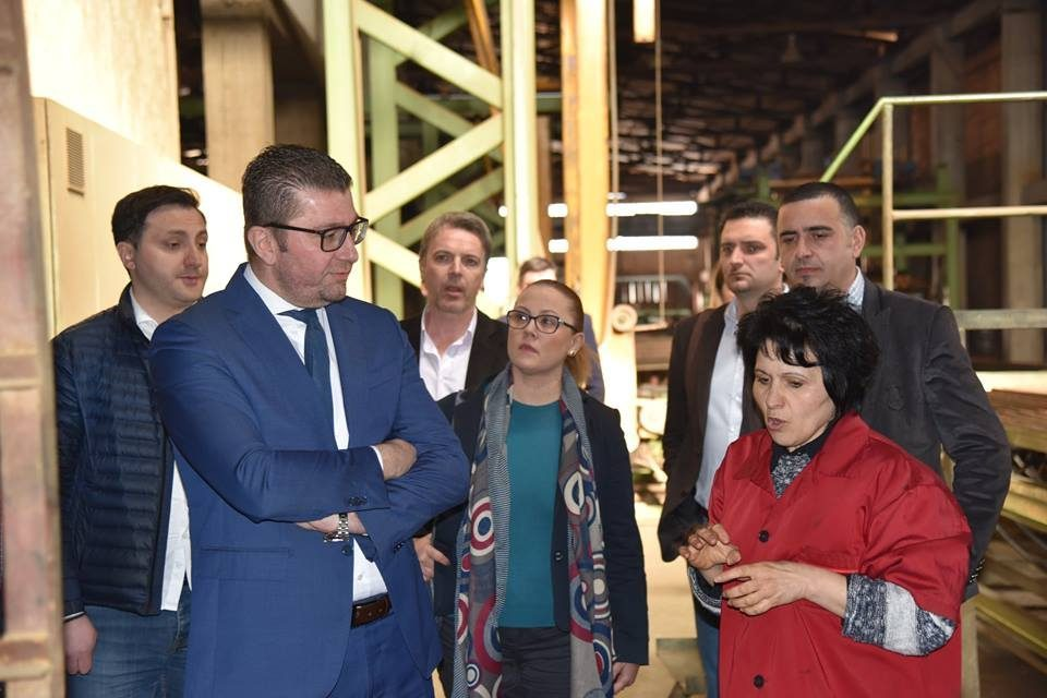 Mickoski promises support for domestic businesses during his visit to the Gostivar brick factory