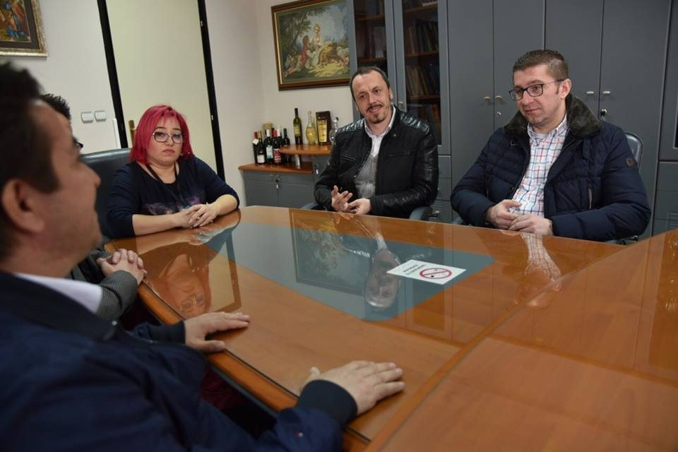 Mickoski promises return to the low and flat tax regime during his visit to Bucen Kozjak