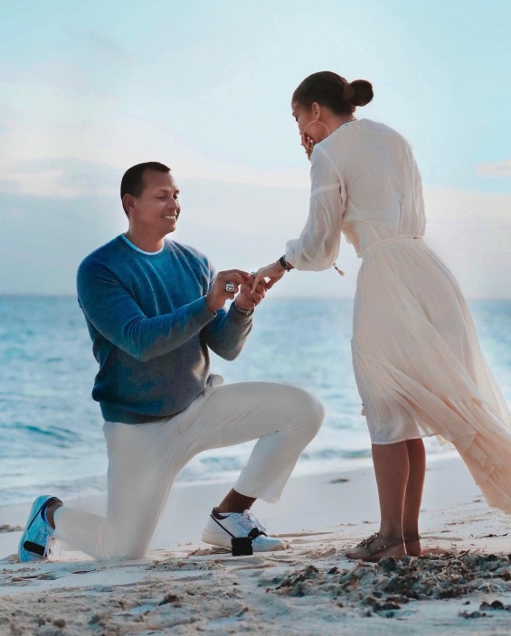 Jennifer Lopez shares photos of the moment Alex Rodriguez got down on one knee and proposed during Bahamas vacation