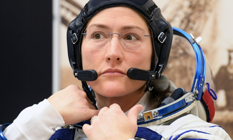 NASA cancels first all-women spacewalk, cites spacesuit size problem