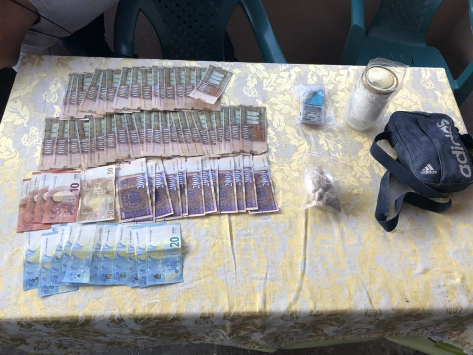 Two drug dealers arrested in Skopje, cocaine and marijuana seized
