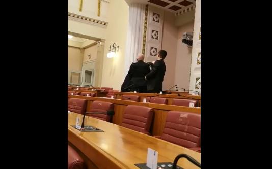 Ivan Pernar forced out of Croatia's parliament building