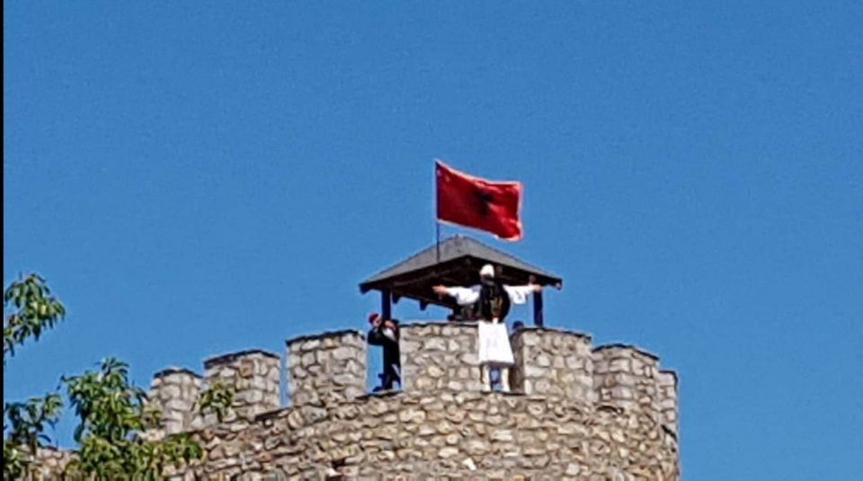Four Albanians detained after provocative stunt in Ohrid