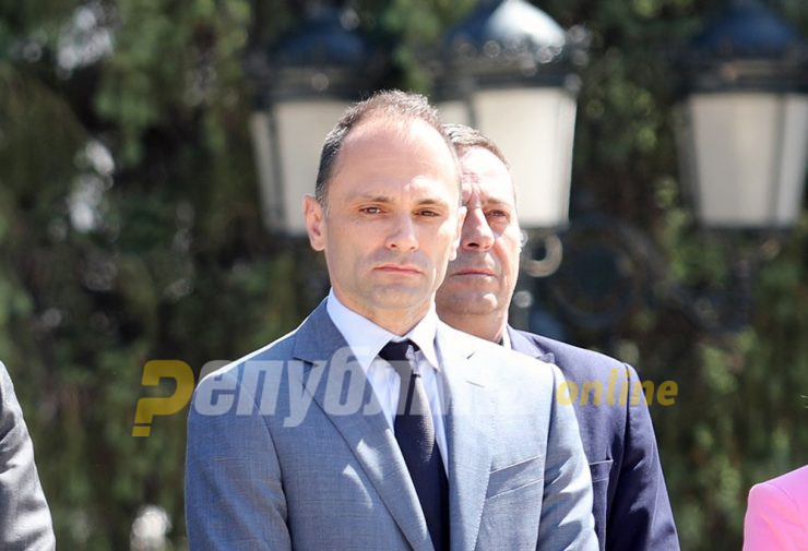 Health Minister Filipce resigns?!