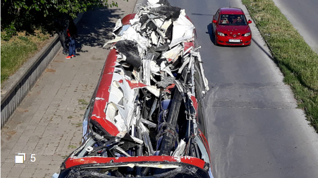 Macedonian drove his bus into an overpass in Plovdiv, sheared it in half