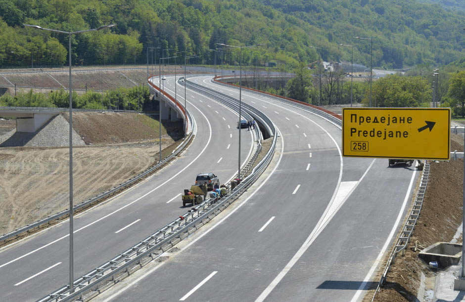 While neighboring countries complete their highway networks, Macedonia sits on the sidelines