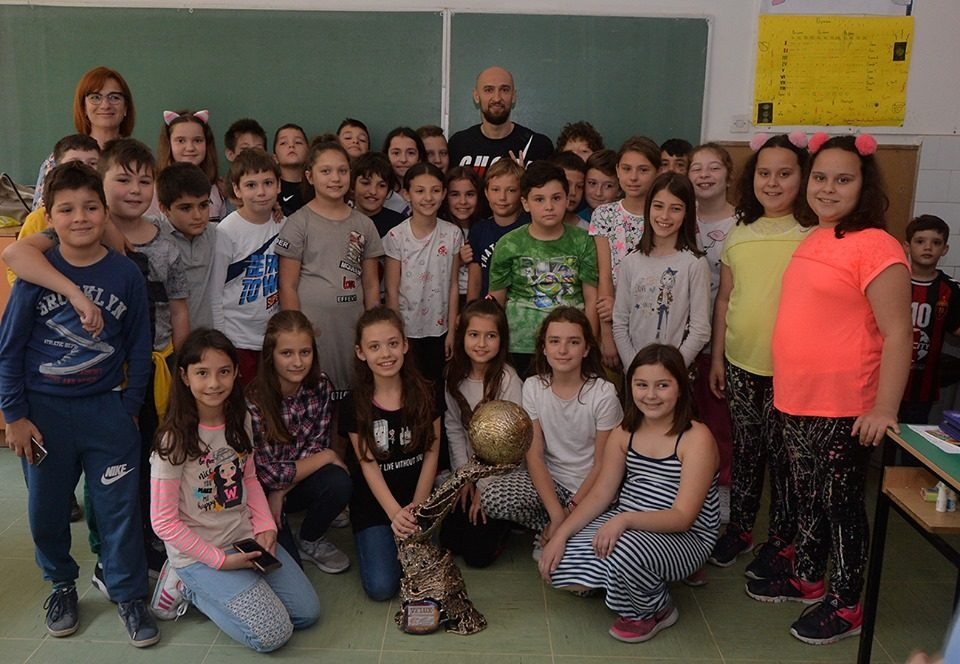 Dibirov brings the Champions League trophy to a school in Skopje