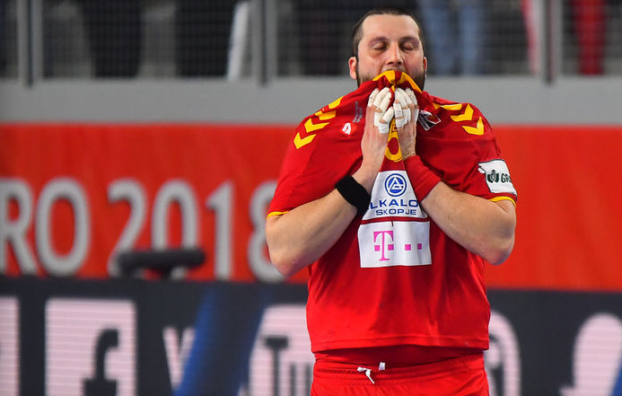 Stoilov will face Turkey but will be out due to his meniscus injury against Greece