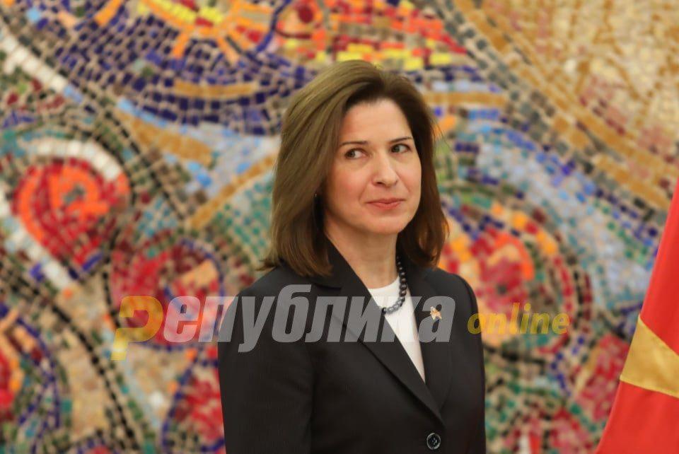 New US Ambassador Kate Byrnes presents her credentials to Pendarovski