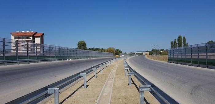 The Goce Delcev highway between Skopje and Stip was left unmarked