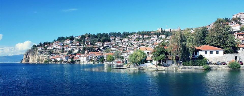 The Government calls on Ohrid and Struga to order a temporary ban on all new construction