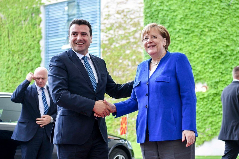 Merkel supports opening of EU accession talks with Macedonia in October