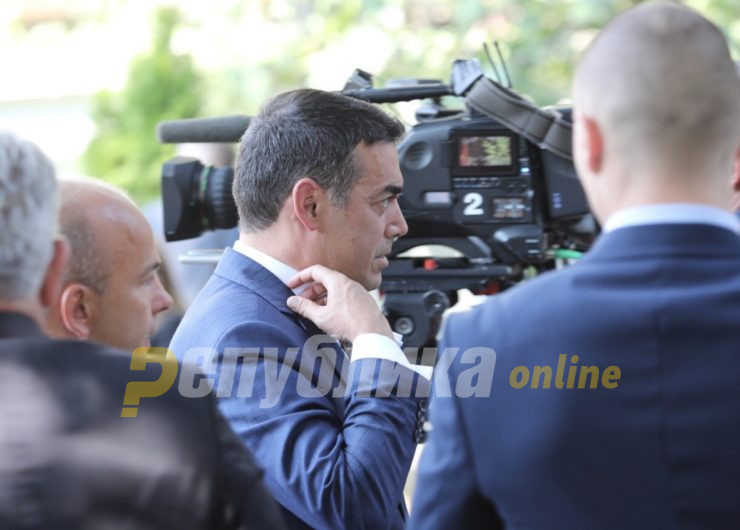"Nikola Dimitrov threatens ""Republika"", calls for early elections"