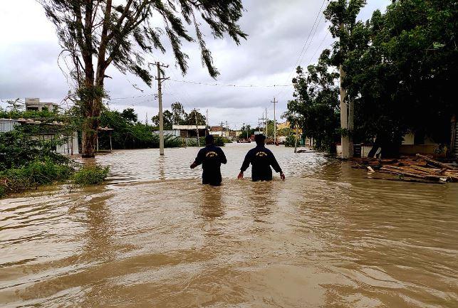 Monsoon floods, landslides in India leave 190 dead