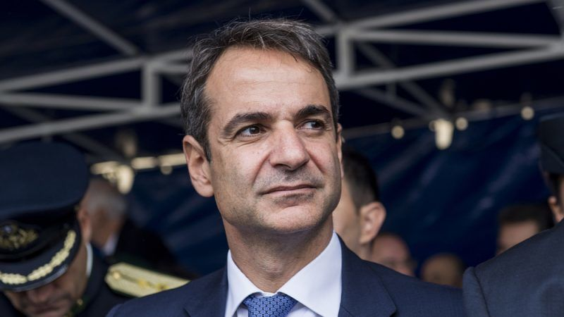 Mitsotakis to tell Merkel that he will respect the Prespa Agreement
