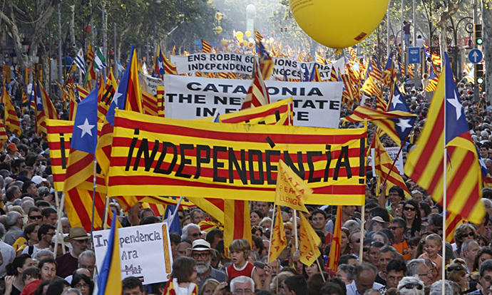 Hundreds of thousands of Catalans rally for independence