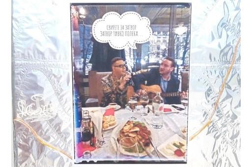"""Serenade photo"" of Boki 13 and Aleksandar Kiracovski appears throughout Skopje"