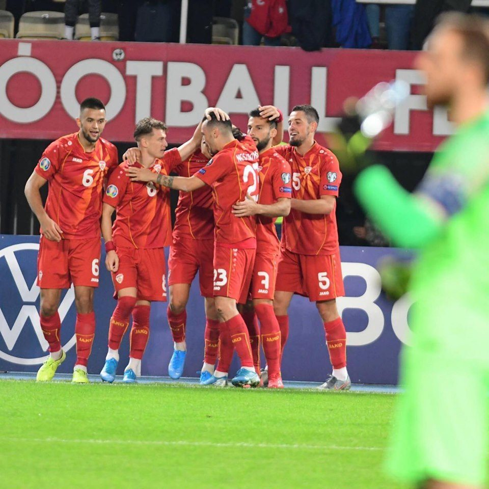 With two goals from Elmas, Macedonia beats Slovenia 2:1