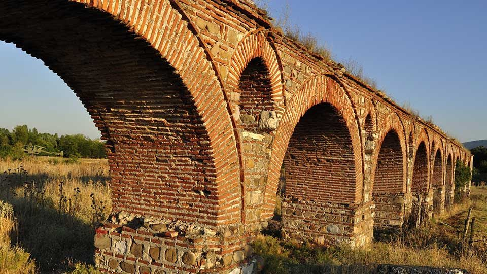 Culture Minister asks that Aqueduct be protected by Cultural Heritage Protection Office