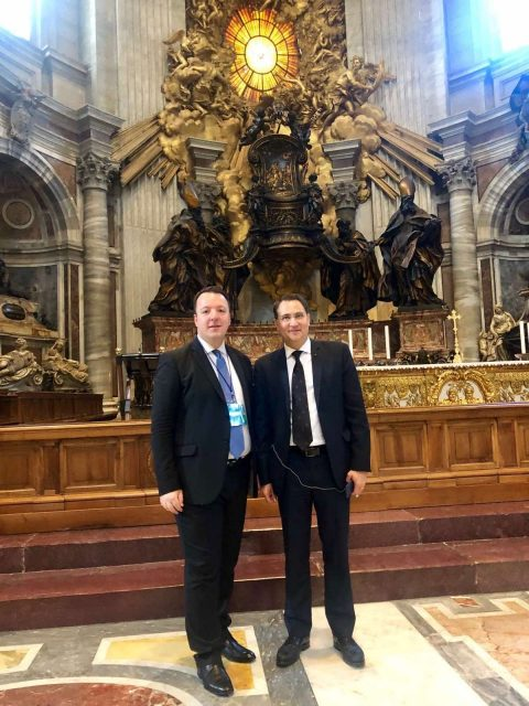 Nikoloski asked that Macedonia is given a date to open accession talks during his meetings in Rome and the Vatican