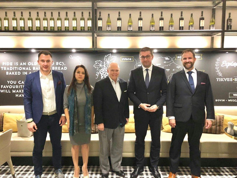 Mickoski meets IRI board member Wethington