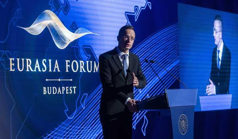 V4: Hungary vetoes Ukraine's NATO membership candidacy