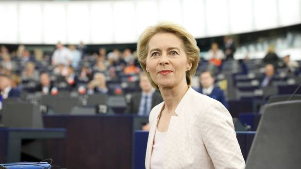 Von der Leyen expects Varhelyi to continue supporting negotiations with Skopje and Tirana