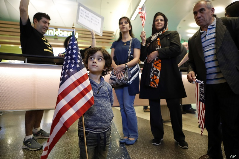 For the first time in 30 years, the US admits zero refugees in October