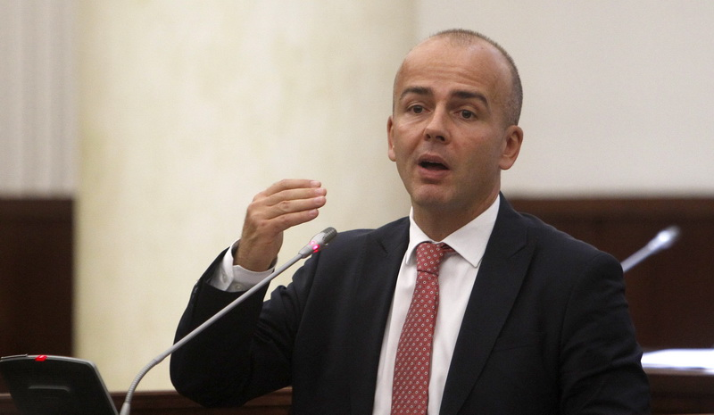 After the scrapping of the progressive tax scheme, SDSM's left wing demands that the party drops the S and the D from its name