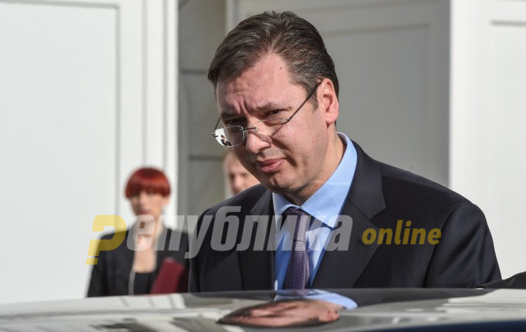After Macedonia's blockade, Vucic asked Hahn why he should continue dialogue with Pristina