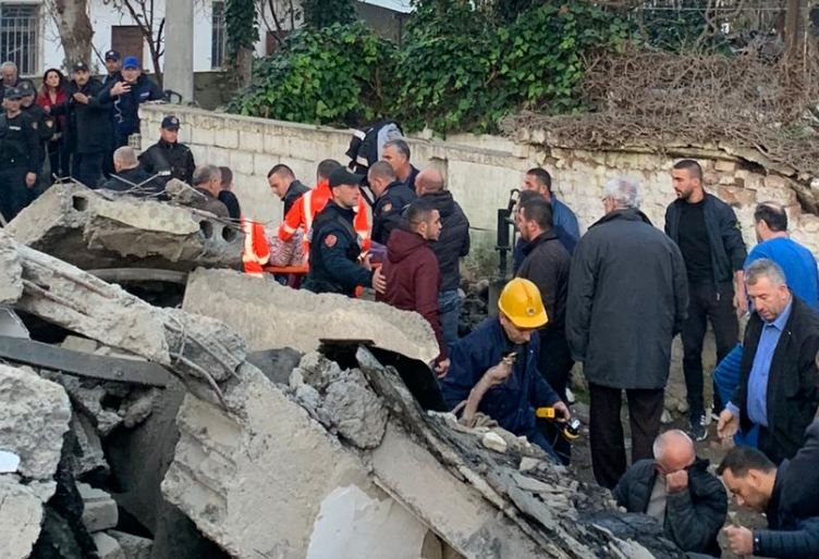 Rescuers working round the clock in Albania