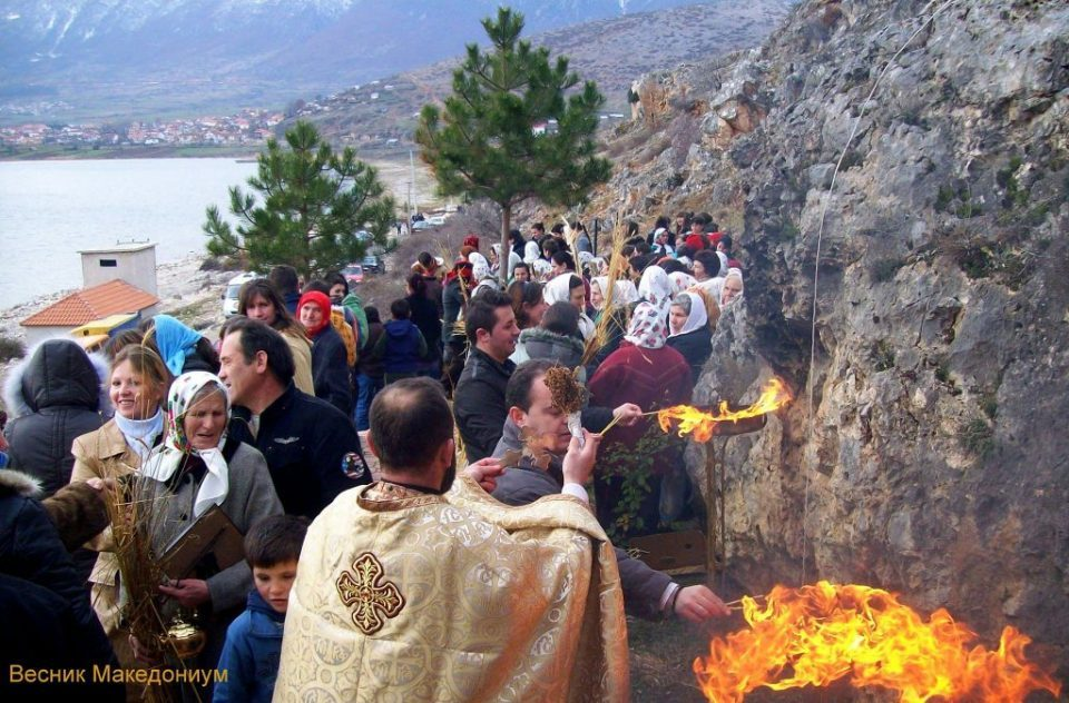 Macedonians in Albania demand that Orthodox Christmas is national holiday