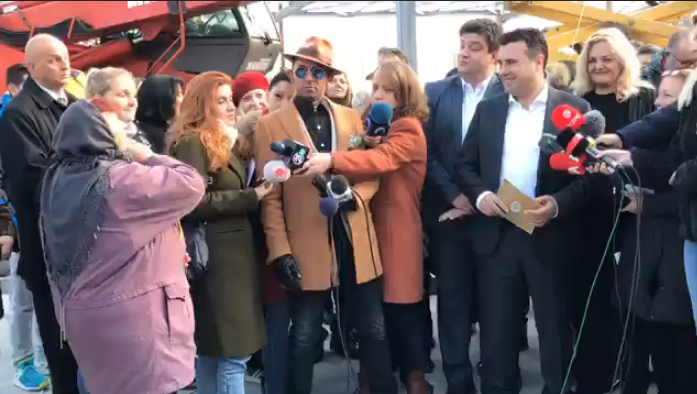 "Woman confronts Zaev about his unfulfilled promises in Volkovo, he accused her of putting on a ""staged show"""