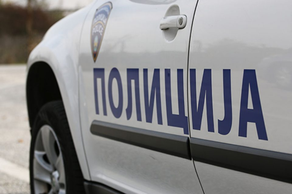Kumanovo: Man set a police vehicle on fire, shoots at officers