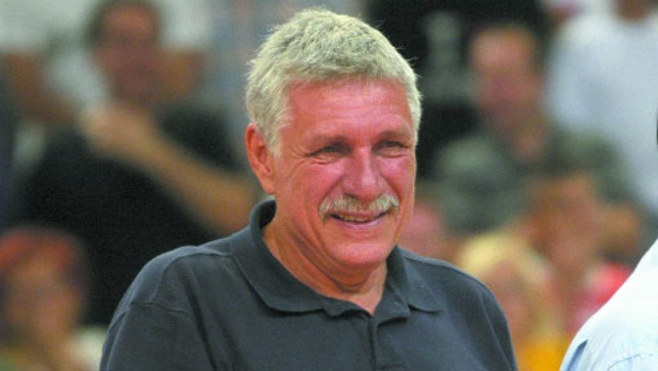 Macedonian basketball legend Bustur killed in car accident