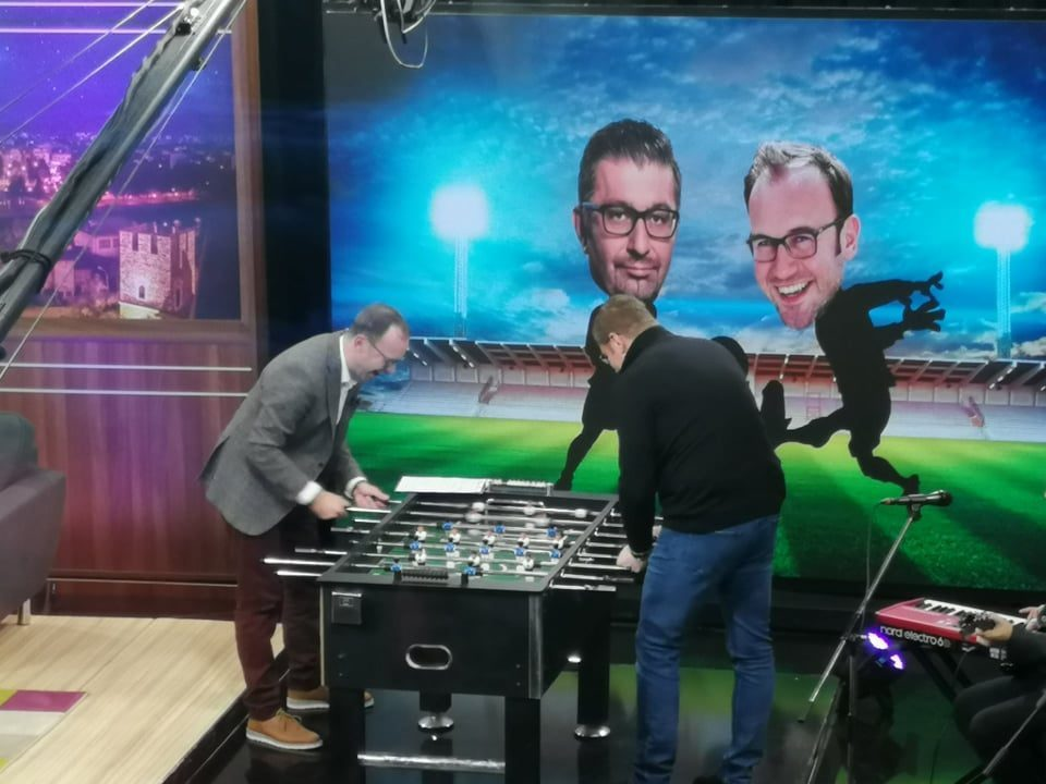 """Mickoski """"one on one"""" with Zare in table football"""