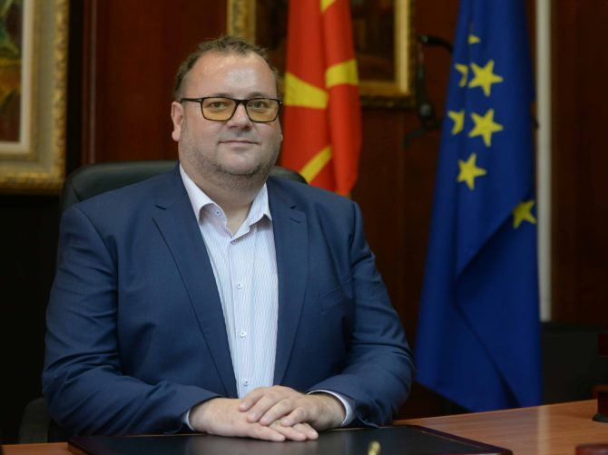 Zaev's adviser translated and promoted a book which declares the Macedonians in northern Greece to be Bulgarians
