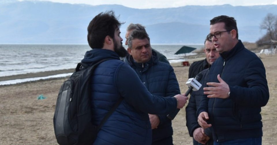 Tripunovski inspects the environmental damage done to lake Prespa, says the situation is critical