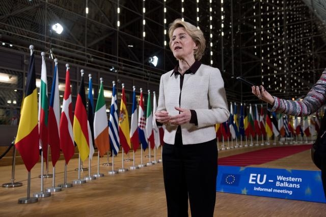 Von der Leyen hopes to see EU accession talks begin, but the coupling of Macedonia with Albania can turn out to be a problem again