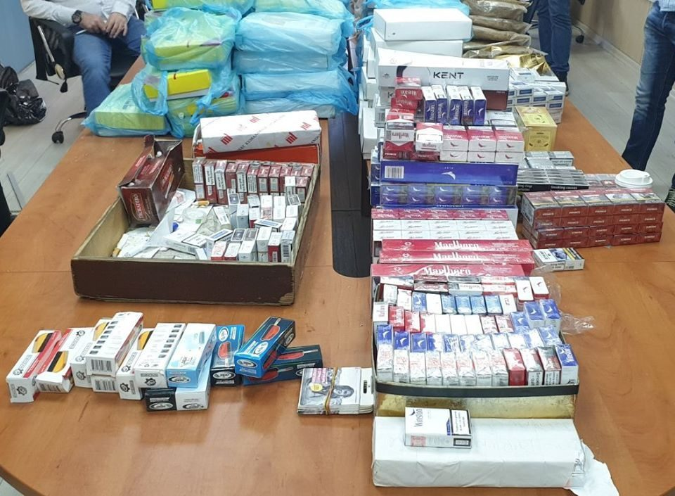 Customs inspectors attacked in Tetovo while seizing smuggled cigarettes