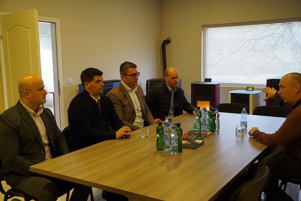 Mickoski meets Regional Chamber of Crafts in Ohrid: State must pay more attention to crafts