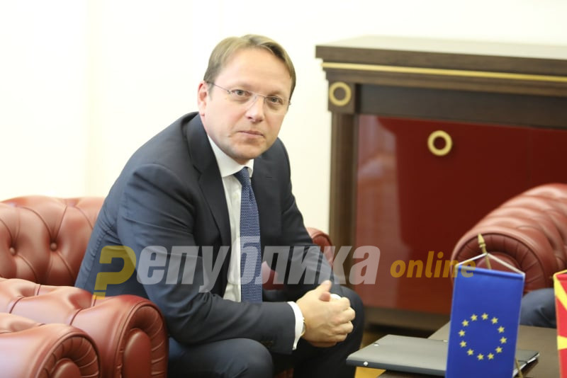 Varheyi asks that the EU opens accession talks with Macedonia and Albania