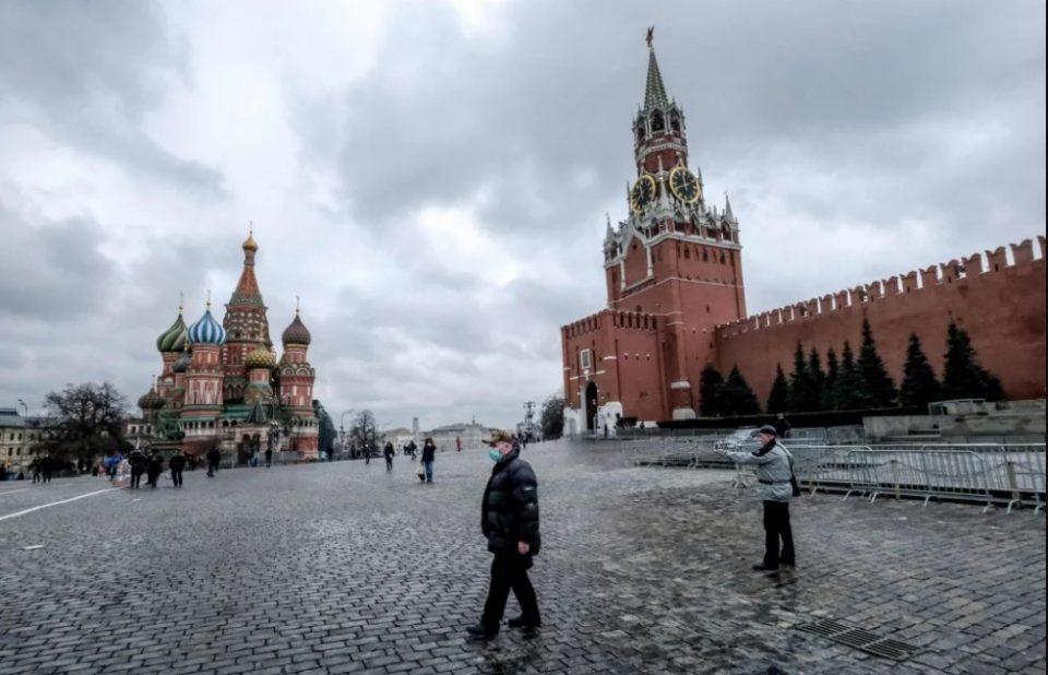 Moscow imposes mandatory lockdown