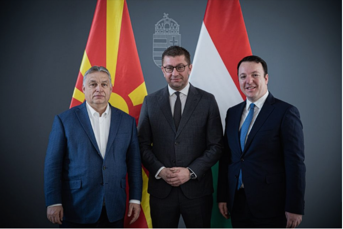 Mickoski meets Orban, calls for an EU accession talks date for Macedonia