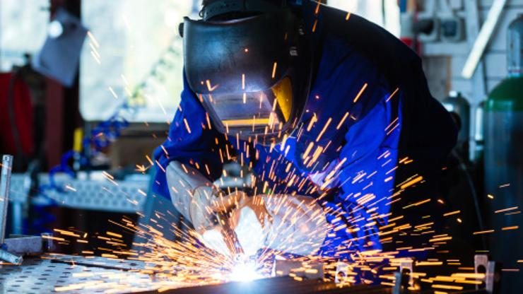 Number of industrial workers down 3.2 percent in January and February