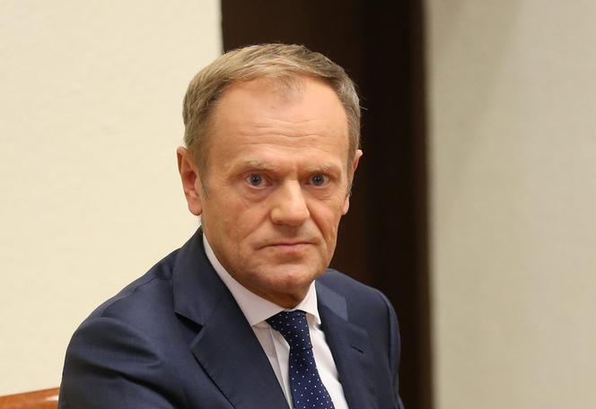 Former EU head Tusk appeals for boycott of Poland's election