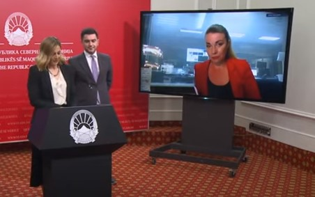 Ministers Angelovska and Bektesi nervously lash out against a journalist who asked them about their latest stimulus program